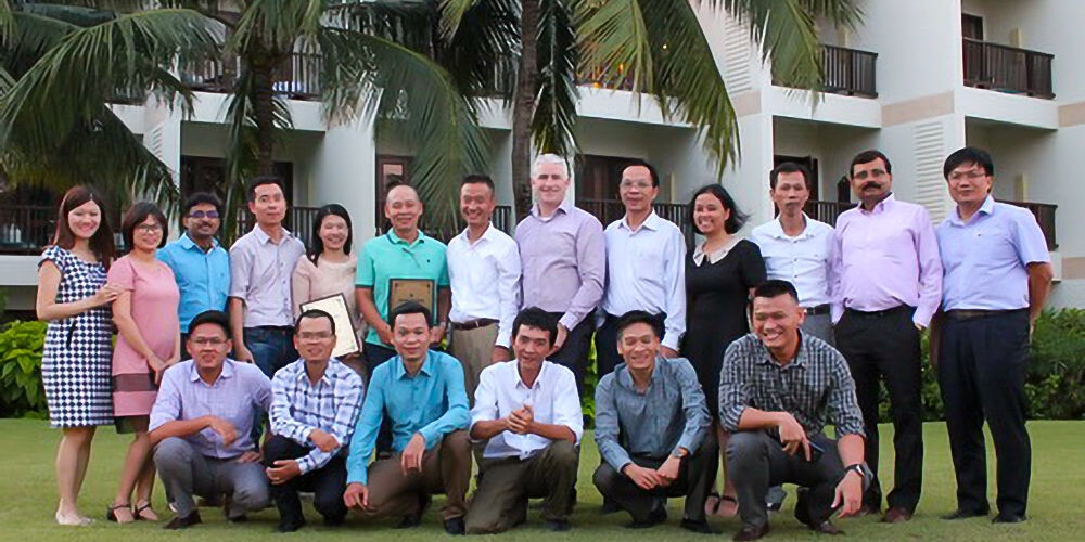 "Final Control Meeting in Danang from Sep 21-22, 2017: - Review business activity FY17 - Review business plan FY18 - Award the certificates to Toan Thang Engineering Corp ""Asia Pacific Eceeding Lifecycle Serrvice Booking 2017"" and ""Asia Pacific Most Improved LBP 2017"""