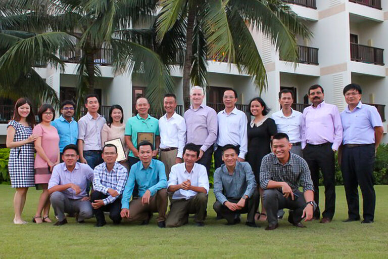 """Final Control Meeting in Danang from Sep 21-22, 2017: - Review business activity FY17 - Review business plan FY18 - Award the certificates to Toan Thang Engineering Corp """"Asia Pacific Eceeding Lifecycle Serrvice Booking 2017"""" and """"Asia Pacific Most Improved LBP 2017"""""""