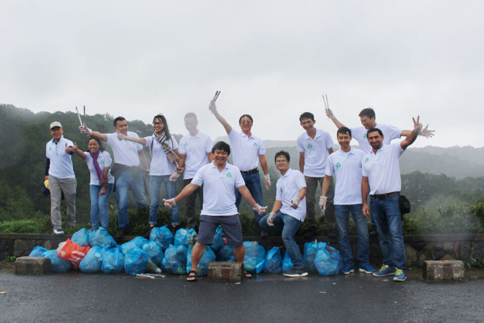 "Tte Deployed The Campaign ""No Single Use Plastics"" Arround Tuyen Lam Lake - Da Lat City"